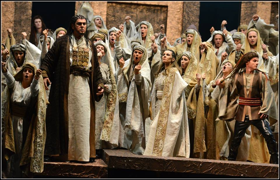 Zaccaria (Ivan Tomašev) encourages the Hebrews in Act I