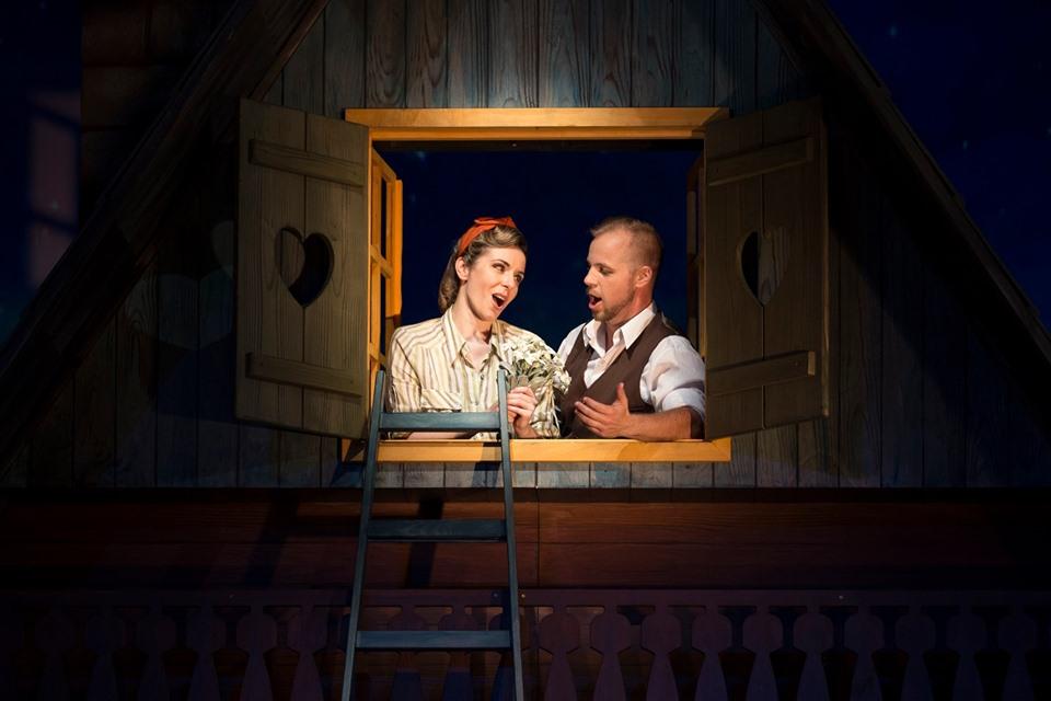 Katja (Valentina Čuden) sings a duet with Miran (Martin Sušnik)