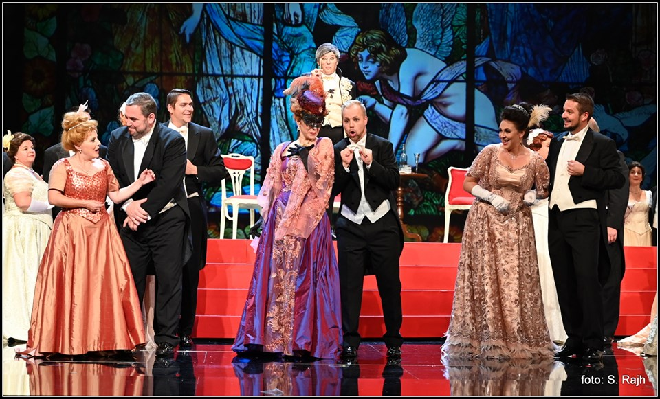 the finale with the cast